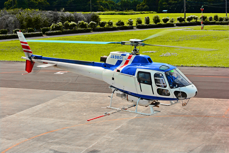 アエロスパシアル式 AS350B 型